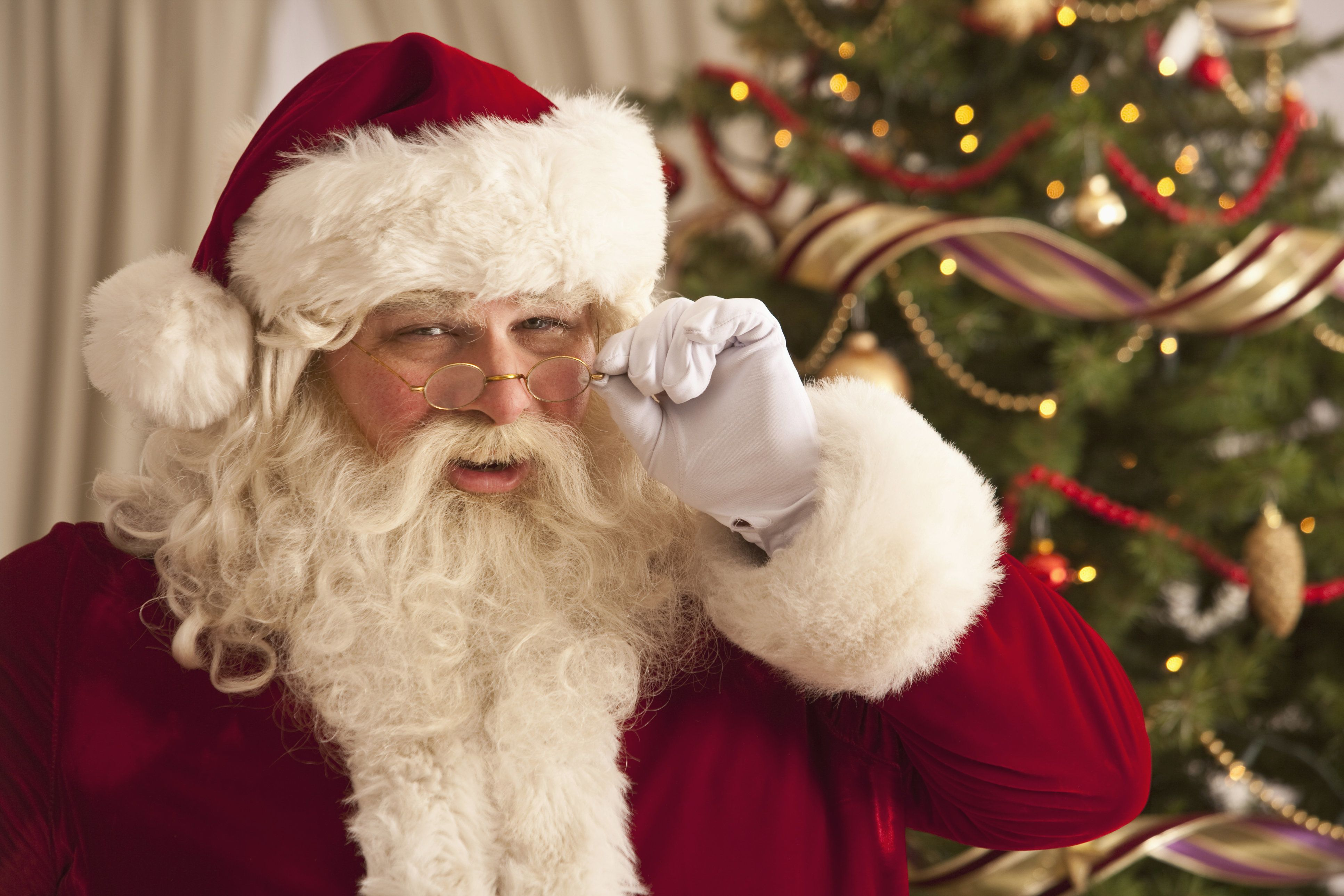A Lovely, Non-Traumatizing Way To Break The News About Santa To Your
