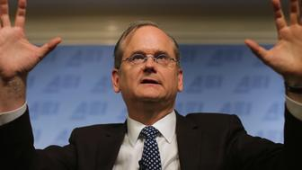 WASHINGTON, DC - NOVEMBER 13:  Harvard Law School professor and former 2016 Democratic presidential candidate Lawrence Lessig discusses campaign finance reform at the American Enterprise Institute November 13, 2015 in Washington, DC. Lessig said he abandoned his single-issue campaign for the Democratic nomination after he was unfairly excluded from the presidential debates earlier this year.  (Photo by Chip Somodevilla/Getty Images)