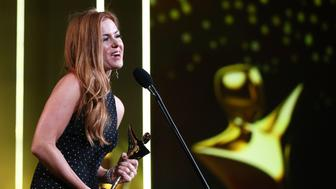 SYDNEY, AUSTRALIA - DECEMBER 07:  Isla Fisher is awarded the Trailblazer Award at the 6th AACTA Awards Presented by Foxtel at The Star on December 7, 2016 in Sydney, Australia.  (Photo by Mark Metcalfe/Getty Images  for AFI)