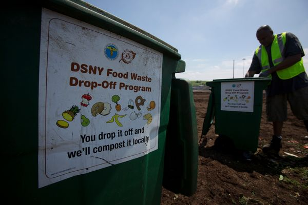 """<a href=""""http://www.huffingtonpost.com/entry/food-waste-date-labels-chellie-pingree_us_576a8deee4b0c0252e77c263"""" target=""""_bla"""