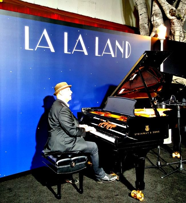 Pianist plays the score of LaLa Land at the premiere.