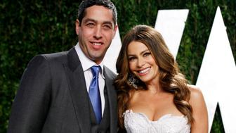 Actress Sofia Vergara and Nick Loeb arrive at the 2012 Vanity Fair Oscar party in West Hollywood, California February 26, 2012. REUTERS/Danny Moloshok (UNITED STATES  - Tags: ENTERTAINMENT)  (OSCARS-PARTIES)