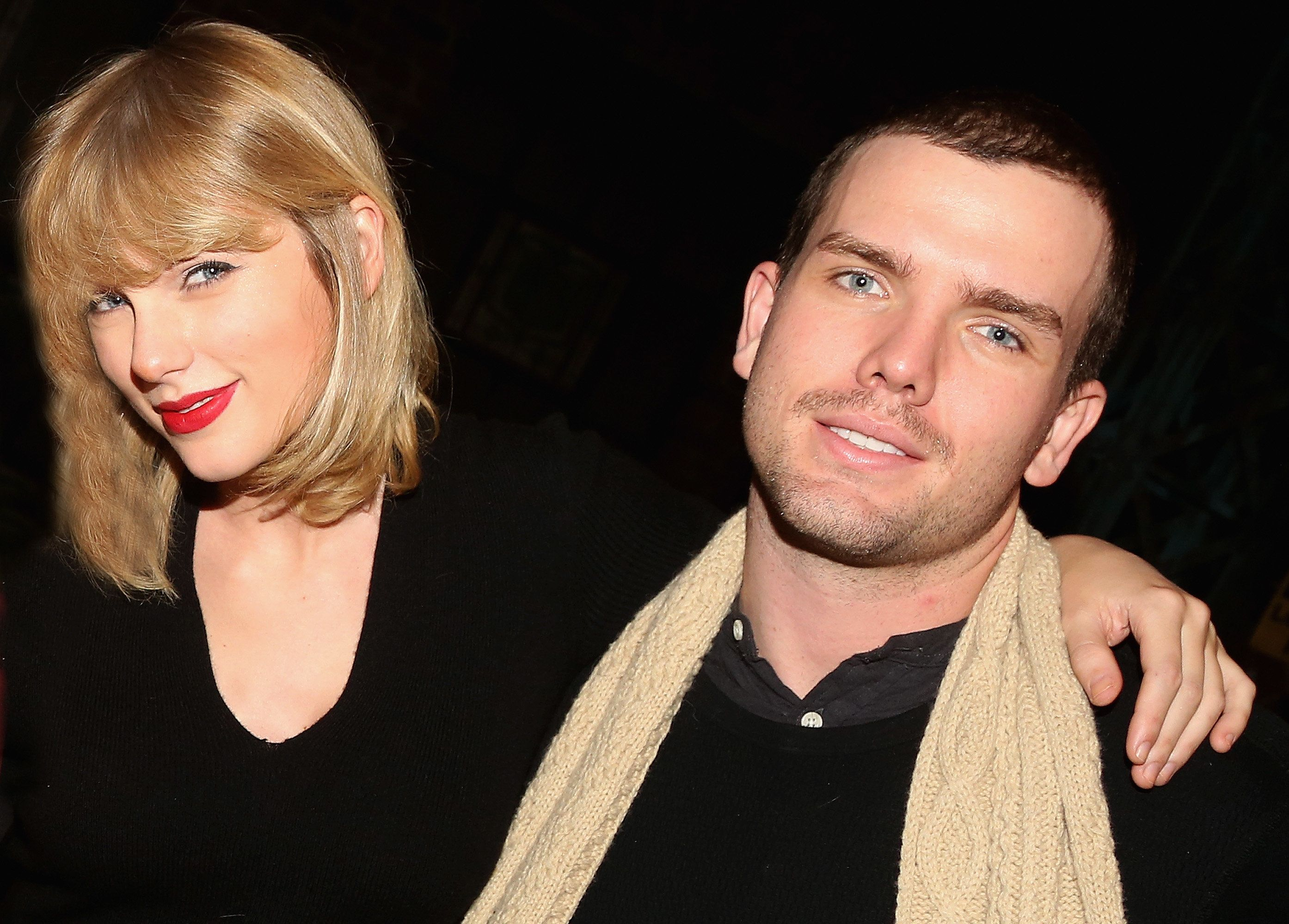 NEW YORK, NY - NOVEMBER 23:  (EXCLUSIVE COVERAGE) Taylor Swift and brother Austin Swift poses backstage with the cast at the hit musical 'Kinky Boots' on Broadway at The Al Hirschfeld Theater on November 23, 2016 in New York City.  (Photo by Bruce Glikas/Bruce Glikas/Getty Images)