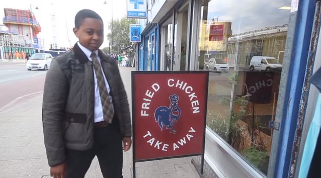Elijah Quashie is reviewing London chicken shops in a video review series called 'The Pengest
