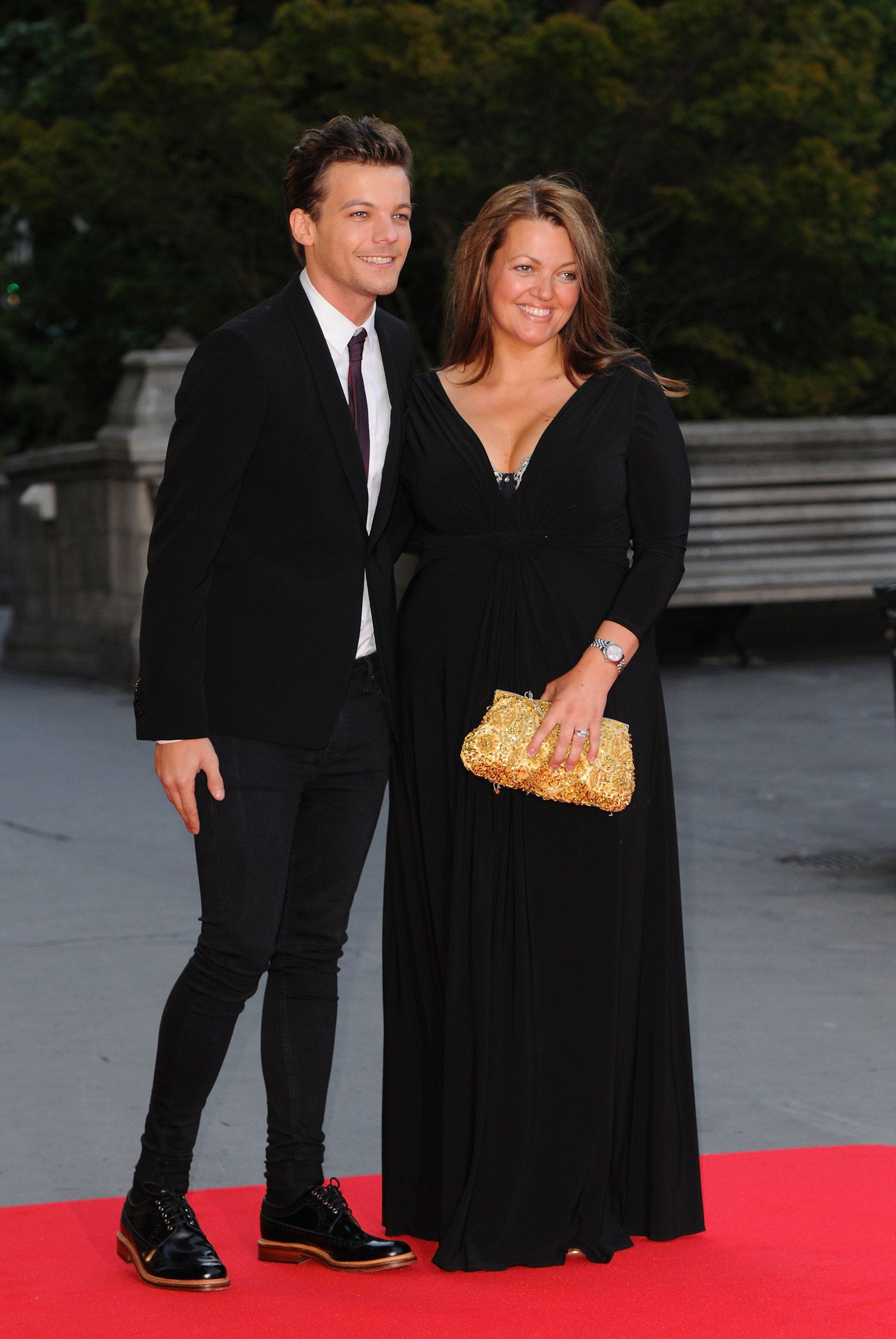 Louis Tomlinson with his mum Johannah