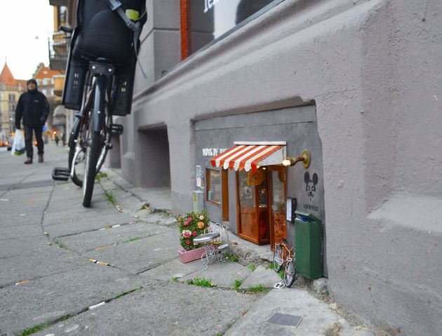 小さな小さなネズミのお店、スウェーデンの路上に登場する(画像)