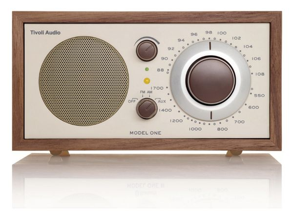 Simple and functional, a good-looking compact radio makes a statement and serves a purpose.<strong><br><br>Tivoli Model