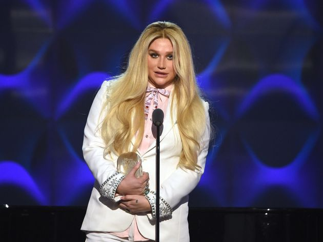 Kesha Tears Up During Moving Speech About Showing Up For