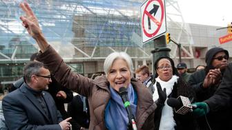 Jill Stein, 2016 Green Party candidate for U.S. president, holds a rally and protest against stopping the recount of election ballots at Cobo Center in Detroit, Michigan December 10, 2016.  REUTERS/Rebecca Cook