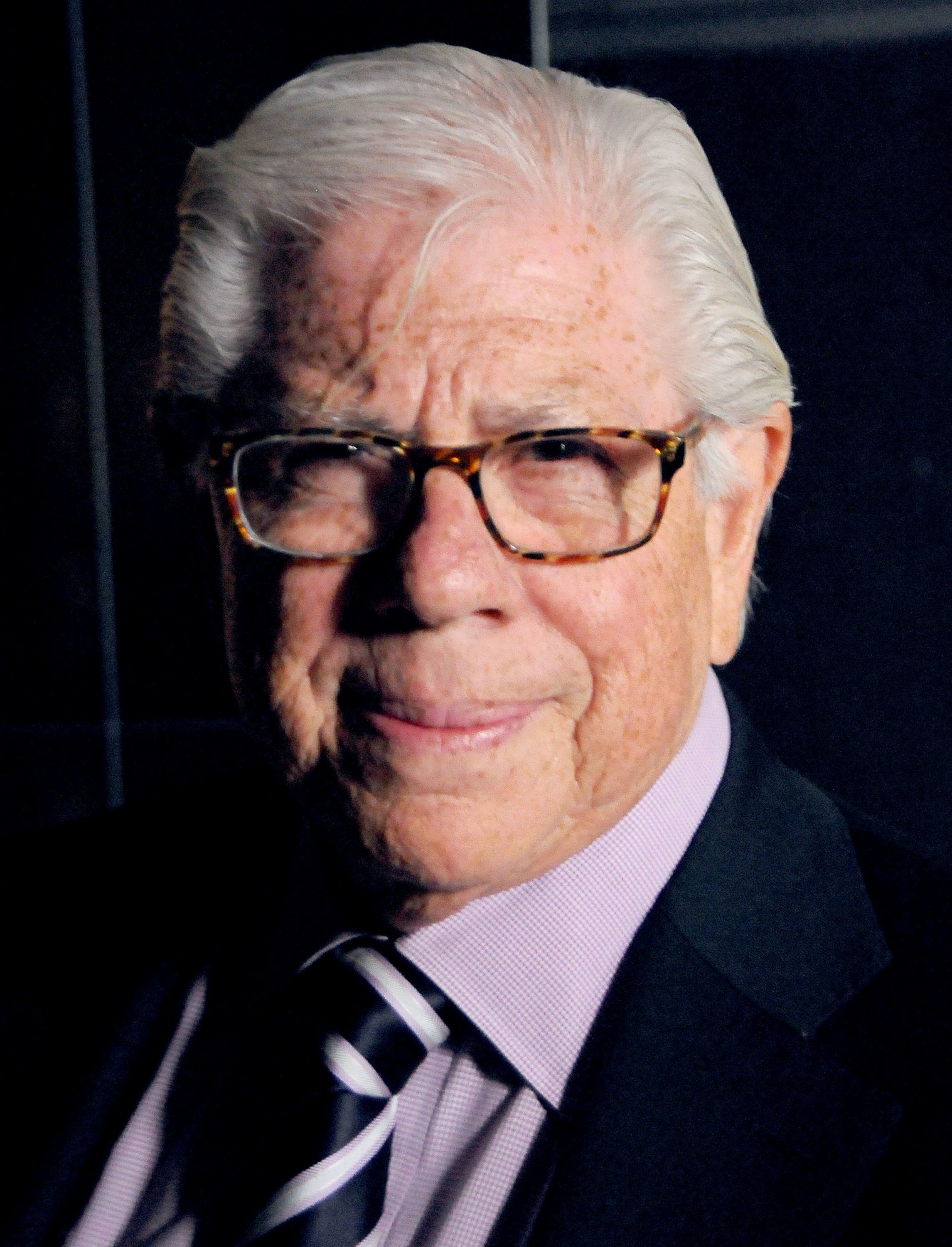 HOLLYWOOD, CA - MARCH 10:  Journalist Carl Bernstein attends the premiere of HBO's 'Everything Is Copy' at TCL Chinese Theatre on March 10, 2016 in Hollywood, California.  (Photo by Barry King/Getty Images)