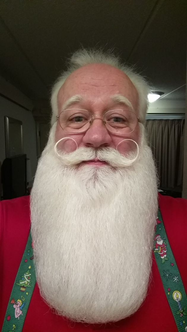 Santa Grants Terminally Ill Boy's Final Wish Before Child Dies In His