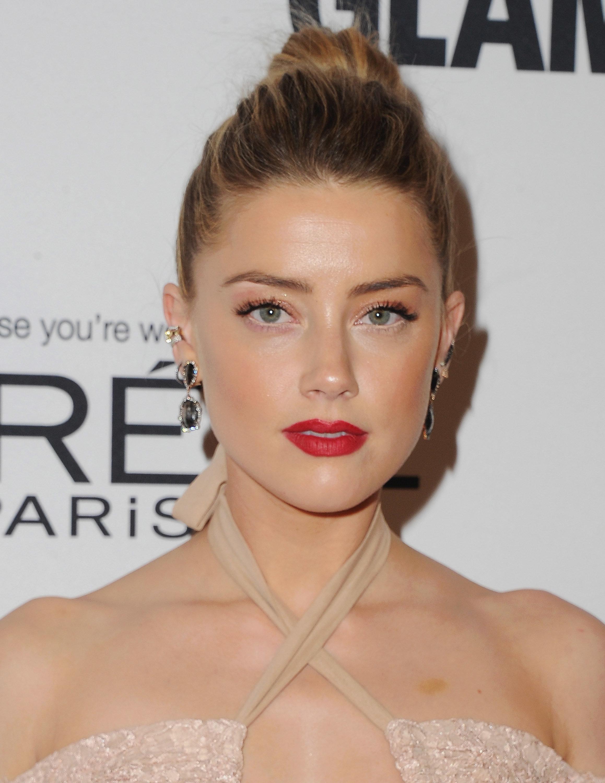 LOS ANGELES, CA - NOVEMBER 14:  Actress Amber Heard arrives at Glamour Women Of The Year 2016 at NeueHouse Hollywood on November 14, 2016 in Los Angeles, California.  (Photo by Jon Kopaloff/FilmMagic)