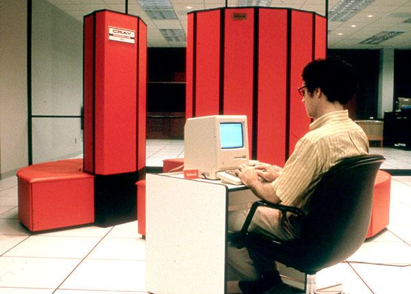 A Cray supercomputer in the mid-1980s at the National Center for Supercomputer Applications, located at the University of Ill
