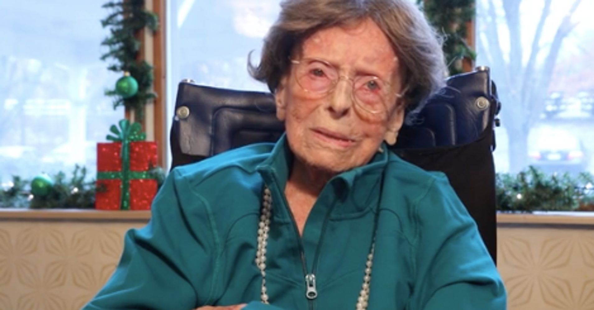 The Oldest American Adele Dunlap Is Still Lying About Her Age Huffpost