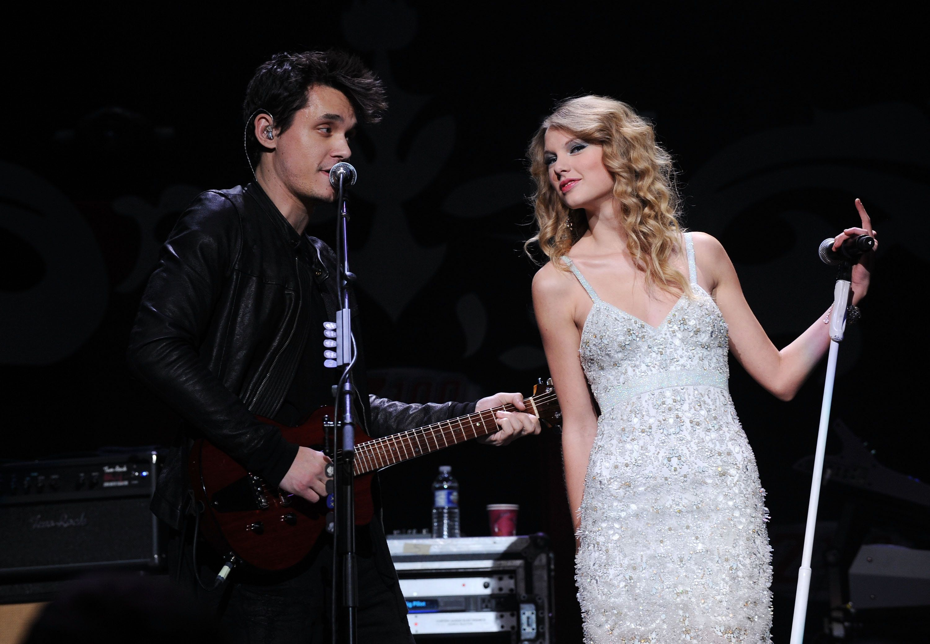 NEW YORK - DECEMBER 11:  John Mayer and Taylor Swift perform onstage during Z100's Jingle Ball 2009 presented by H&M at Madison Square Garden on December 11, 2009 in New York City.  (Photo by Theo Wargo/WireImage for Clear Channel Radio New York)