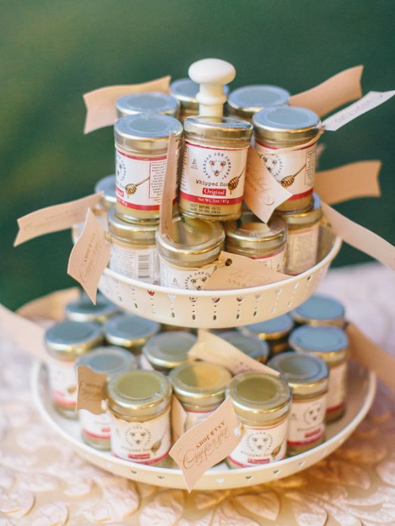Guests received honey wedding favors to take home.