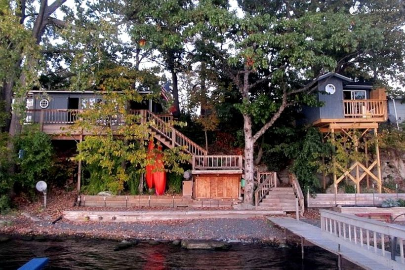7 luxury u s tree house rentals that you need to see for Treehouse cabins aurora ny