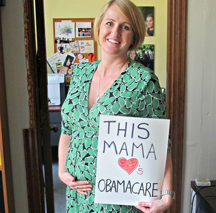 A newly expectant Sara shows some love for the ACA in 2012 after the Supreme Court decision.