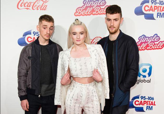 X Factor' Winner Matt Terry's 'When Christmas Comes Around' Charts ...