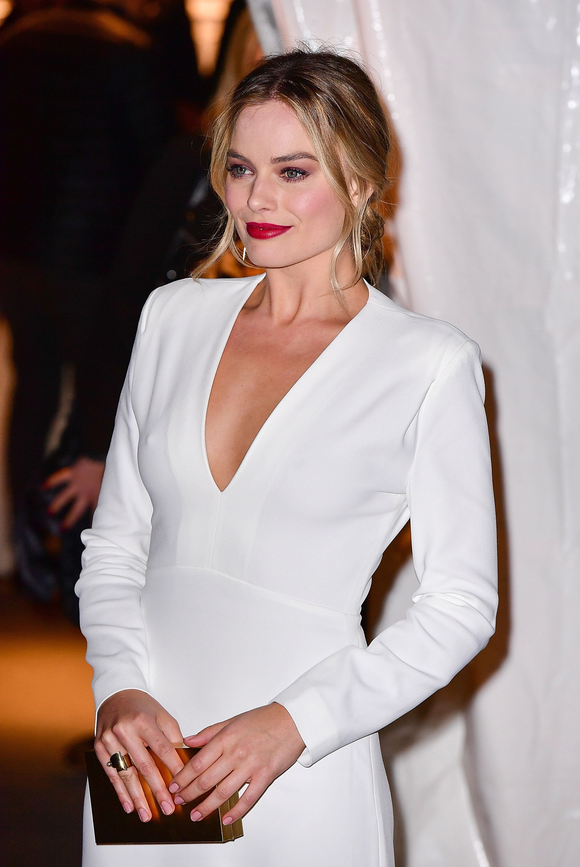 Margot Robbie Marries Tom Ackerley In Secret Ceremony: