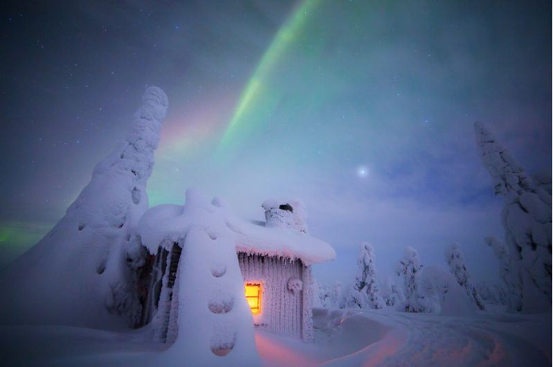Photographer Captures Lapland's Northern Lights In Magical