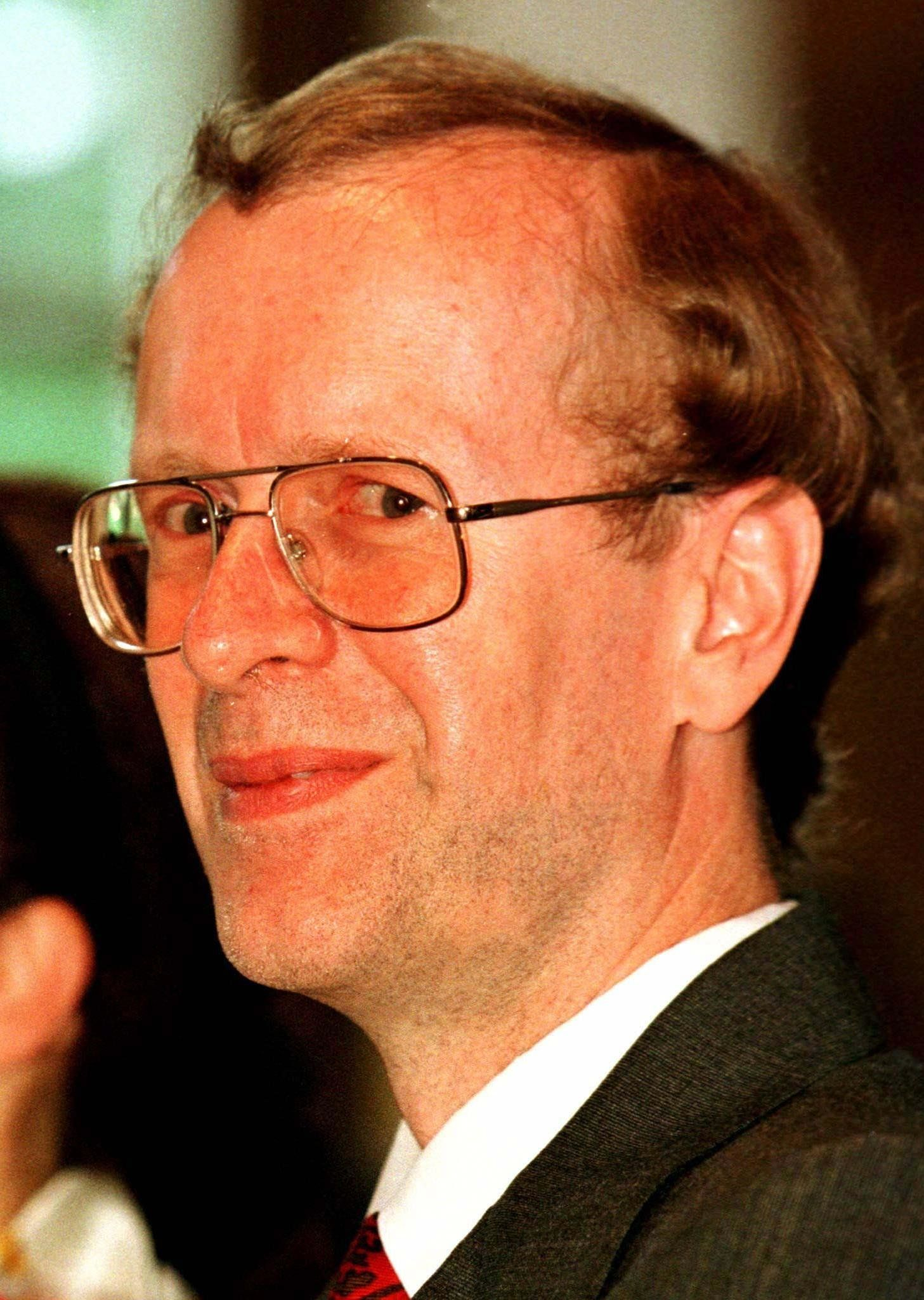 """British mathematician and professor of the University of Princeton in the United States Andrew Wiles smiles after he received the so-called """"Wolflskehl"""" award in Goettingen June 27. Wiles got this unique award for his solution of a mathematic problem, which was explored by Pierre de Fermat in the year 1636.  GERMANY"""