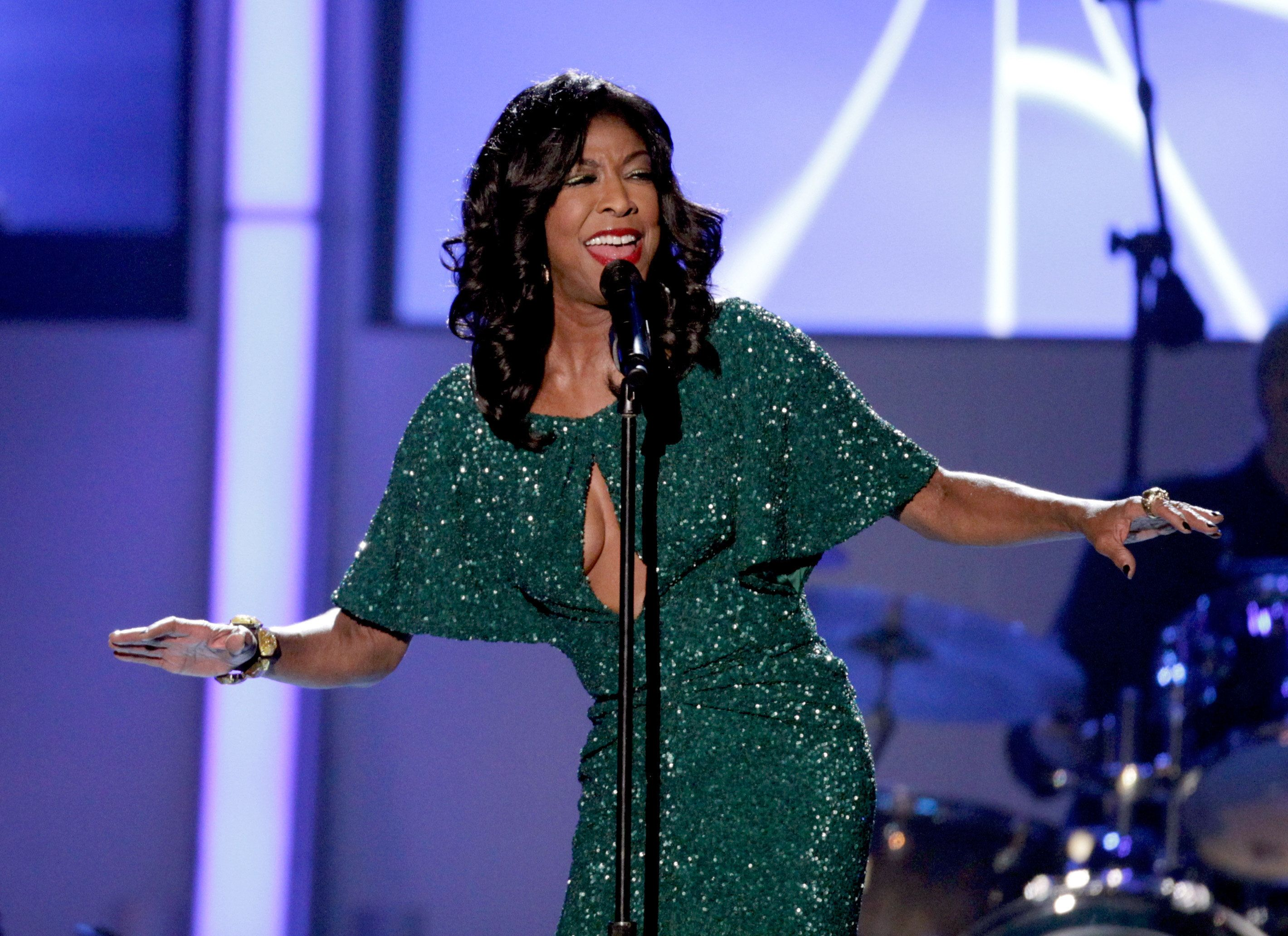 LAS VEGAS, NV - NOVEMBER 14:  Singer Natalie Cole performs onstage during the 2012 Latin Recording Academy Person Of The Year honoring Caetano Veloso at the MGM Grand Garden Arena on November 14, 2012 in Las Vegas, Nevada.  (Photo by Eric Jamison/Getty Images)