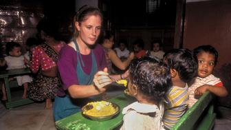 [UNVERIFIED CONTENT] Mother Teresa volunteer, Kari Amber McAdam, a Dartmouth College student had no problem caring for several hungry children at once. Kari was completing her doctorate in psychology. This was at Shsihu Bhavan, the orphanage on AJC Road, near the headquarters for the Missionaries of Charity, the home Mother Teresa founded.
