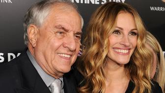 LOS ANGELES, CA - FEBRUARY 08:  (L-R) Director Garry Marshall and actress Julia Roberts arrive at the premiere of New Line Cinema's 'Valentine's Day' held at Grauman's Chinese Theatre on February 8, 2010 in Los Angeles, California.  (Photo by Kevin Winter/Getty Images)