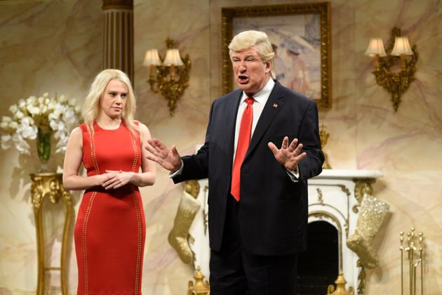 Alec Baldwin as Donald Trump and Kate McKinnon as Kellyanne Conway on