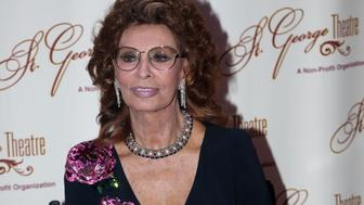 NEW YORK, NY - SEPTEMBER 10:  Sophia Loren poses at 'An Evening With Sophia Loren' at The St. George Theater in Staten Island on September 10, 2016 in New York City.  (Photo by Bruce Glikas/Bruce Glikas/Getty Images)