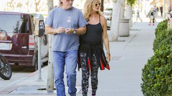 LOS ANGELES, CA - NOVEMBER 25: Goldie Hawn and Kurt Russell are seen on November 25, 2016 in Los Angeles, California.  (Photo by BG004/Bauer-Griffin/GC Images)