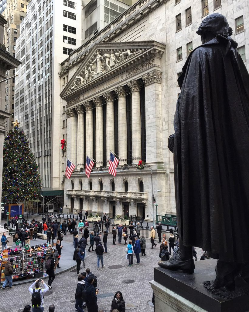 The statue of George Washington facing the New York Stock Exchange