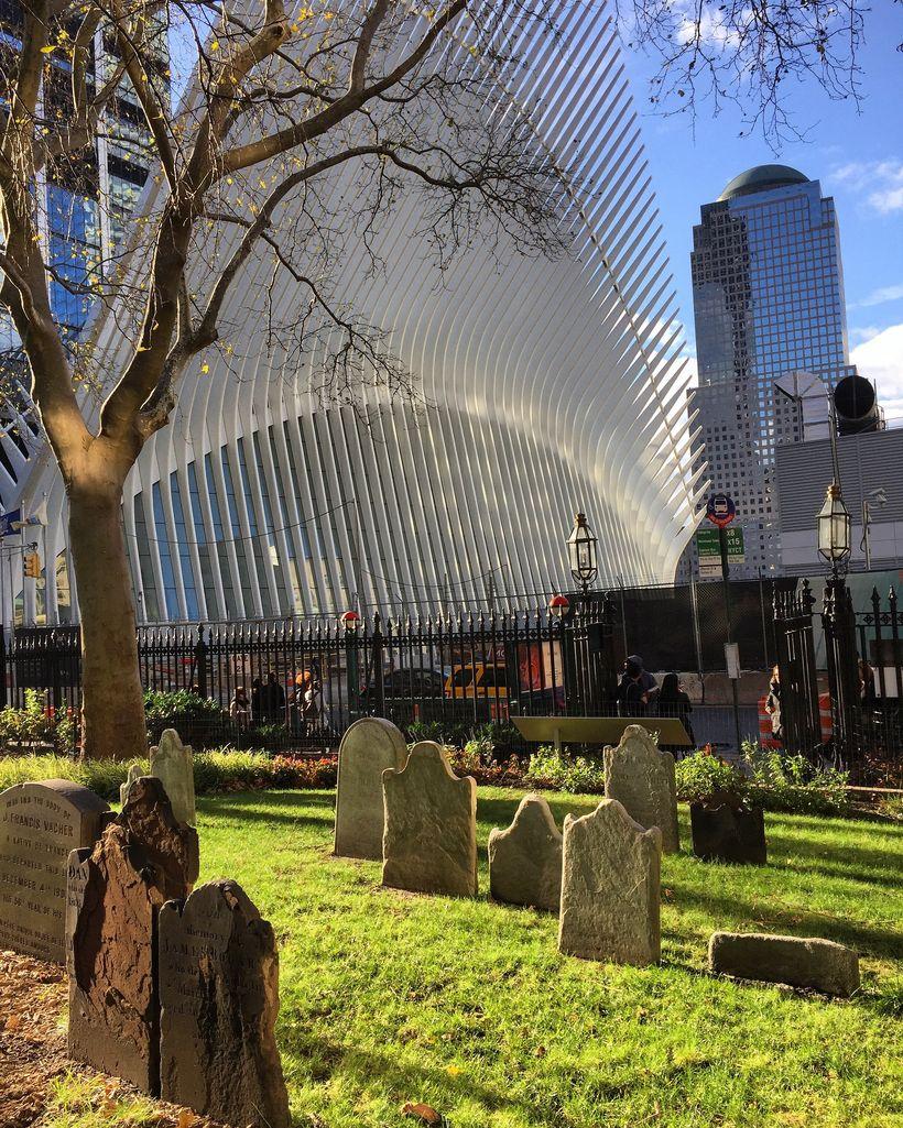 Santiago Calatrava's Oculus from the graveyard of St. Paul's.