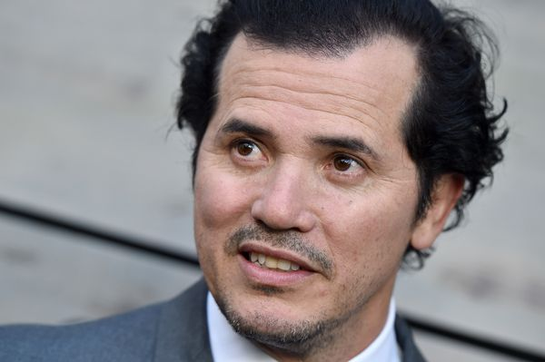 "In a <a href=""http://www.huffingtonpost.com/entry/john-leguizamo-points-out-the-hypocrisy-of-minorities-having-to-assimi"