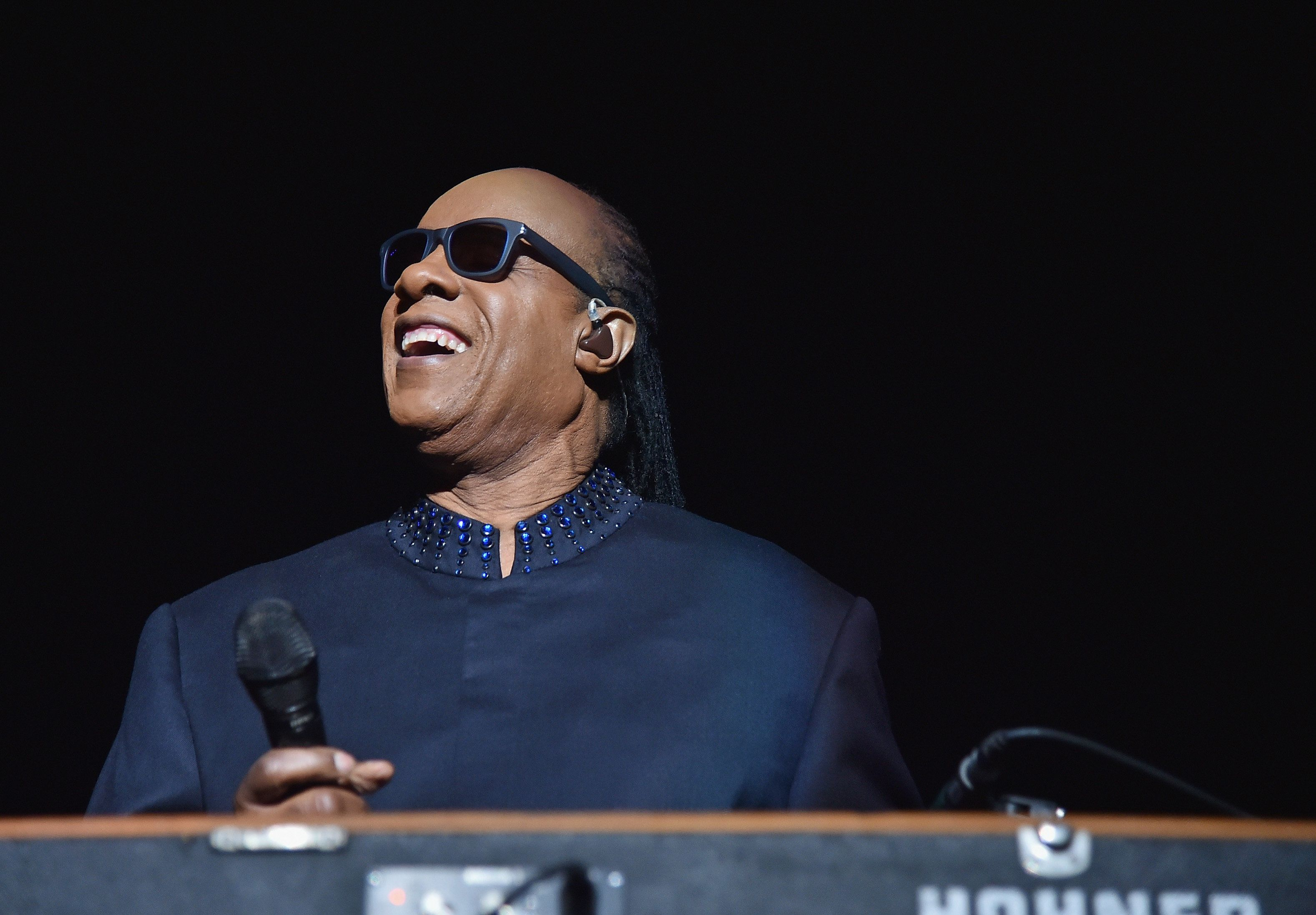 NEW YORK, NY - NOVEMBER 06:  Singer/songwriter Stevie Wonder performs on the first night of his Songs In The Key Of Life Tour at Madison Square Garden on November 6, 2014 in New York City.  (Photo by Mike Coppola/Getty Images)