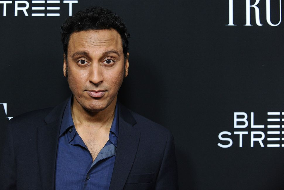 """Aasif Mandvi calls Christmas, """"the best holiday!"""""""