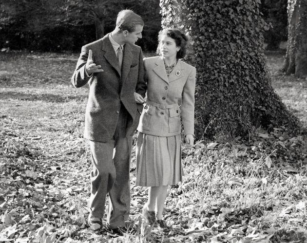 El príncipe Felipe, esposo de la reina Isabel y duque de Edimburgo, muere a los 99 años    HuffPost