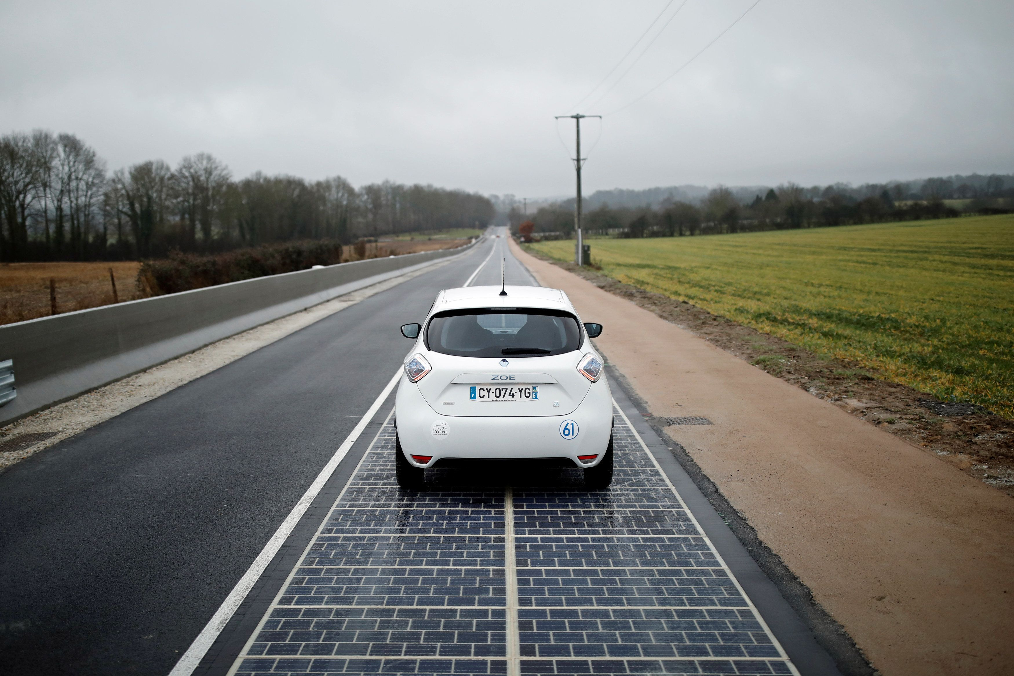 France Unveils The World's First Solar Panel