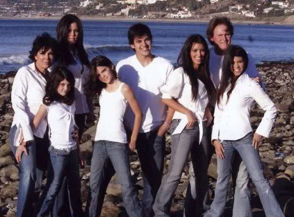 2006 - Kardashians Christmas Photos