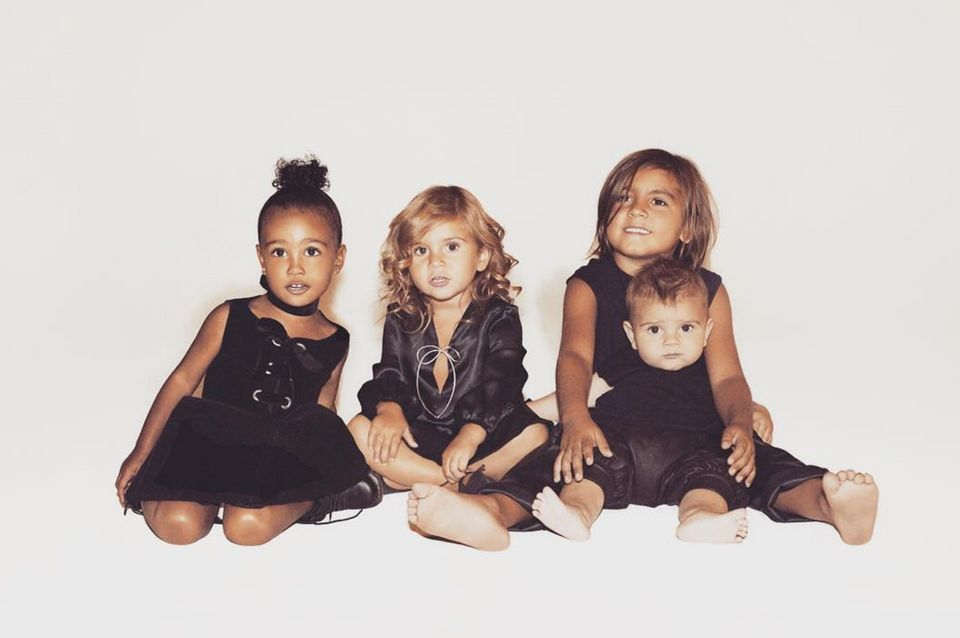 Kylie Jenner Absent From Kardashian Family Christmas Card | HuffPost