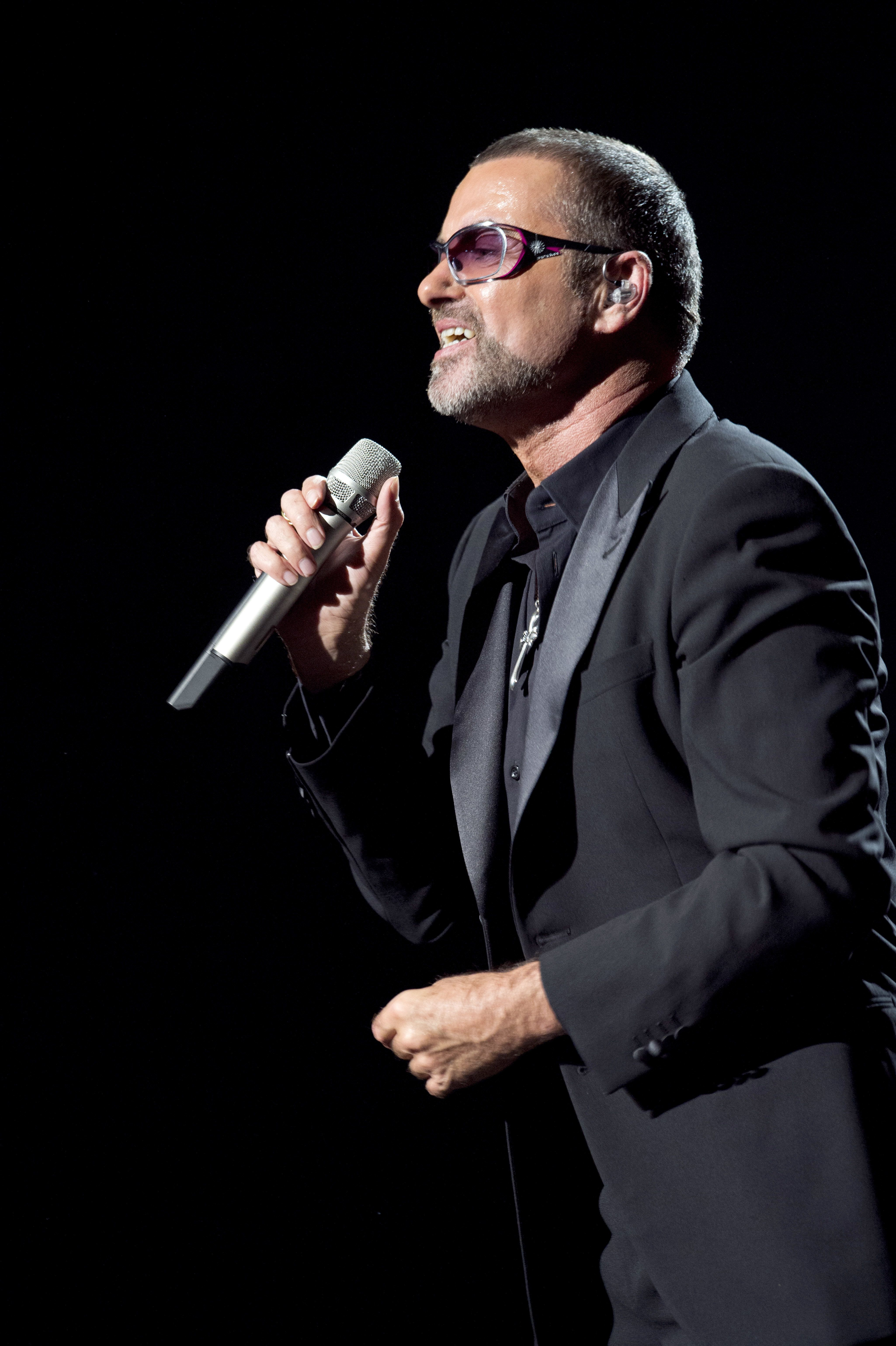 Elton John Leads Tributes To George Michael Following Superstar's Shock