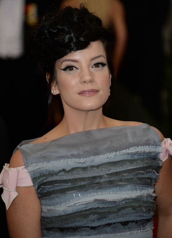 Lily Allen has been very open about her experiences with pregnancy and infant loss. The singer revealed recently that <a href