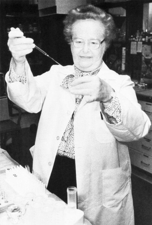 "American biochemist <a href=""http://www.nobelprize.org/nobel_prizes/medicine/laureates/1988/elion-facts.html"" target=""_blank"""