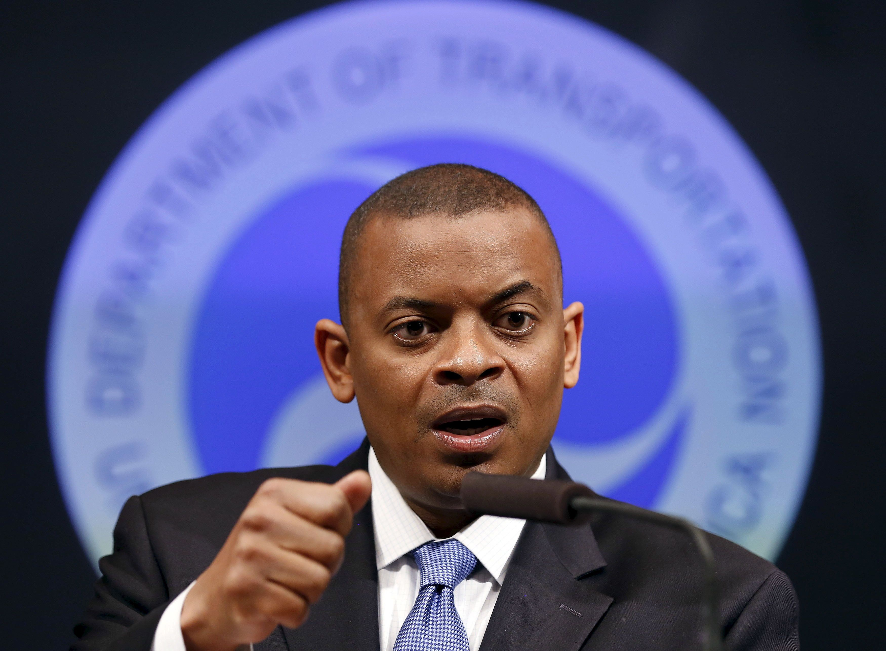 U.S. Transportation Secretary Anthony Foxx said in an interview that he expects the state of Alabama to abide by the Dec