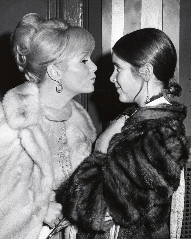 Debbie Reynolds and a teenage Carrie Fisher at a New York benefit in
