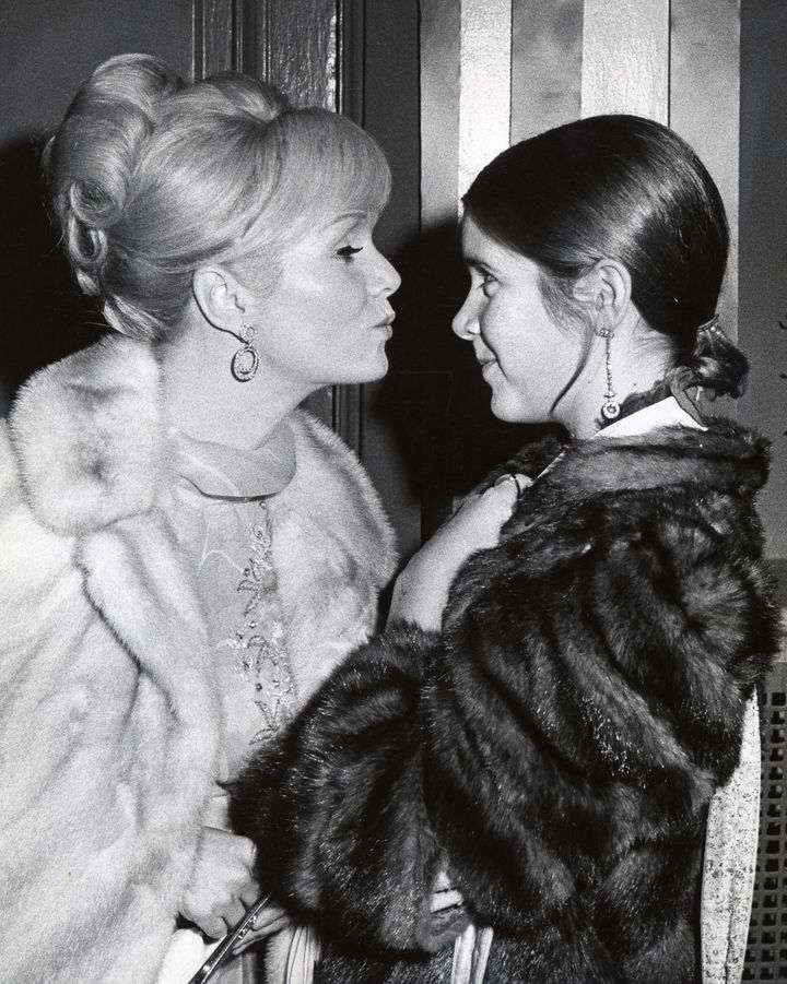 Debbie Reynolds and a teenage Carrie Fisher at a New York benefit in 1972.
