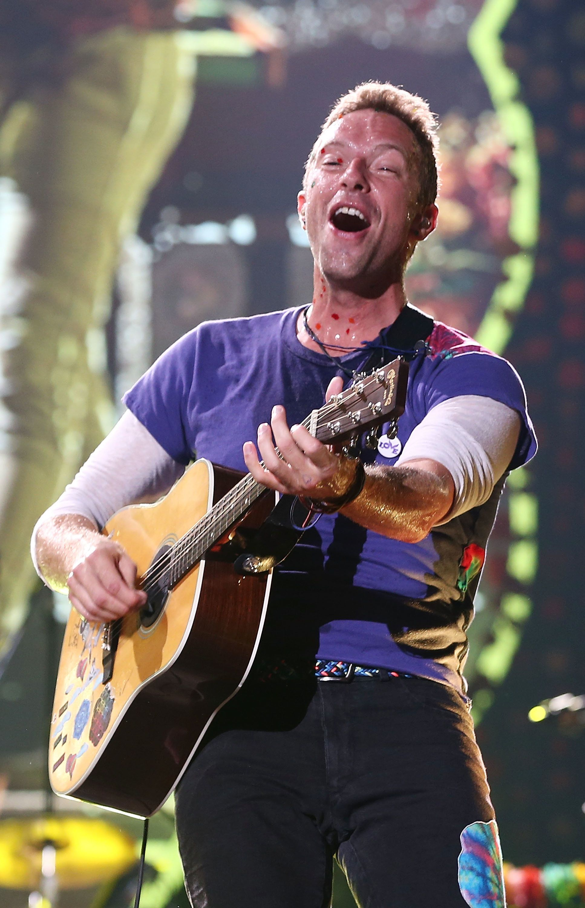 SYDNEY, AUSTRALIA - DECEMBER 13:  Chris Martin of Coldplay performs at Allianz Stadium on December 13, 2016 in Sydney, Australia.  (Photo by Mark Metcalfe/WireImage)