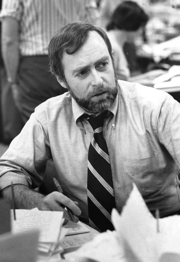 Sydney Schanberg, a former correspondent whose Pulitzer Prize-winning coverage of the fall of Cambodia to the Khmer Rouge ins