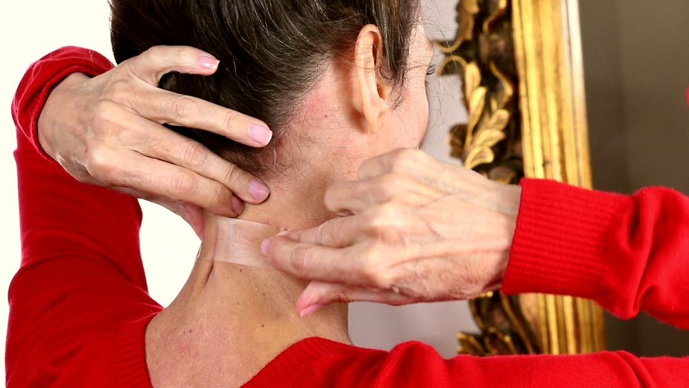 Sticky Tape For Neck Wrinkles Is A Thing, In Case 2016 Wasn't Bad